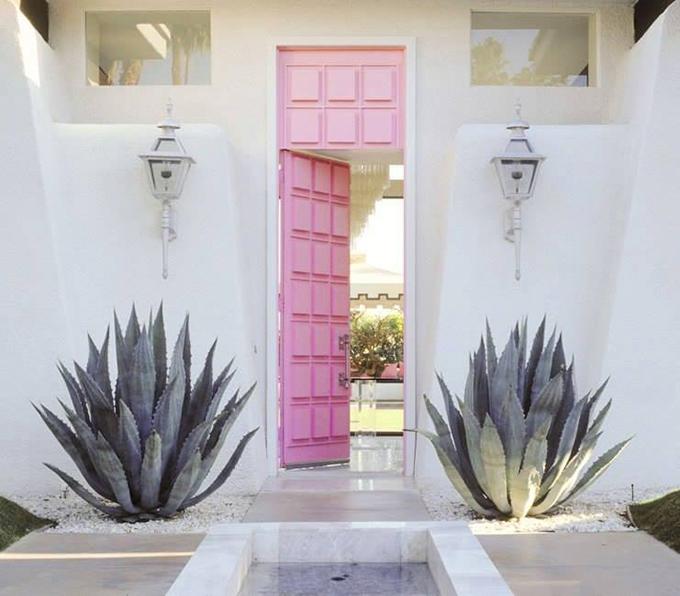 puerta entrada rosa
