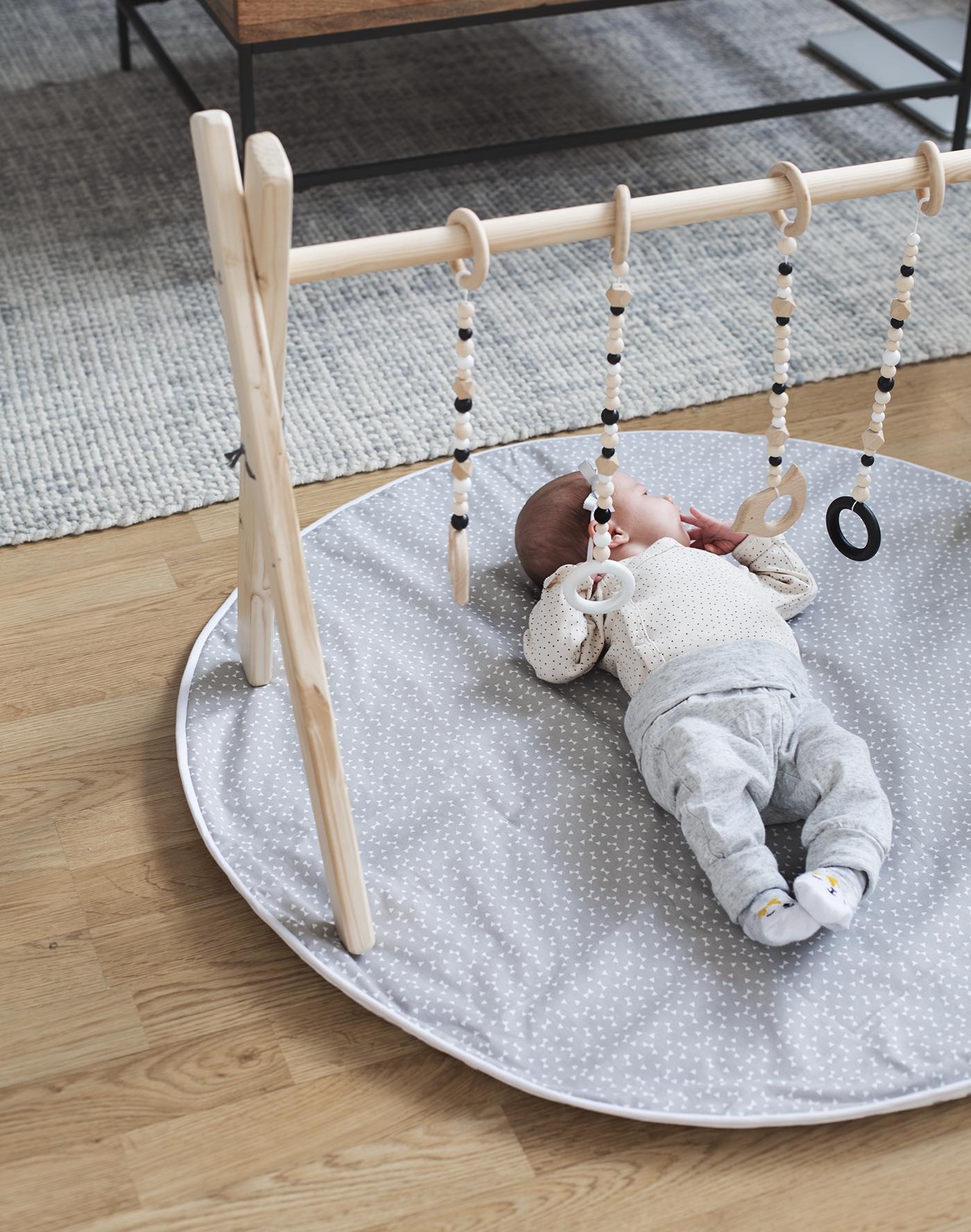 gimnasio DIY bebés